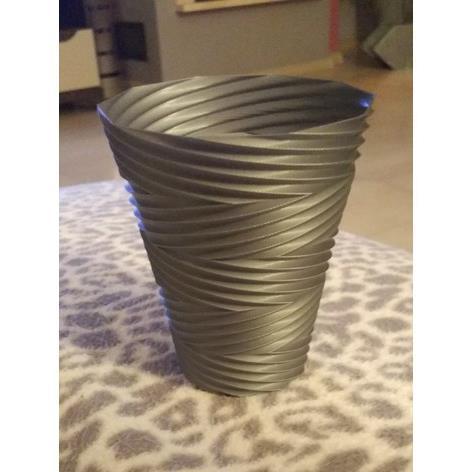 3D打印扭曲的花瓶